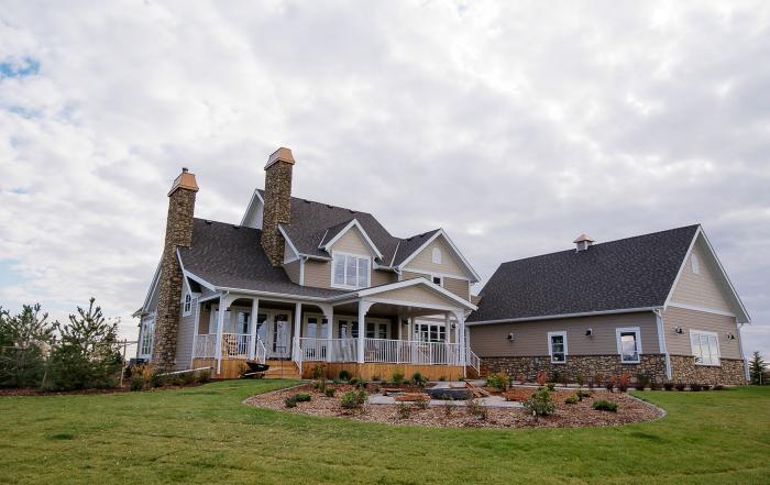 Lethbridge custom home exterior vista meadows