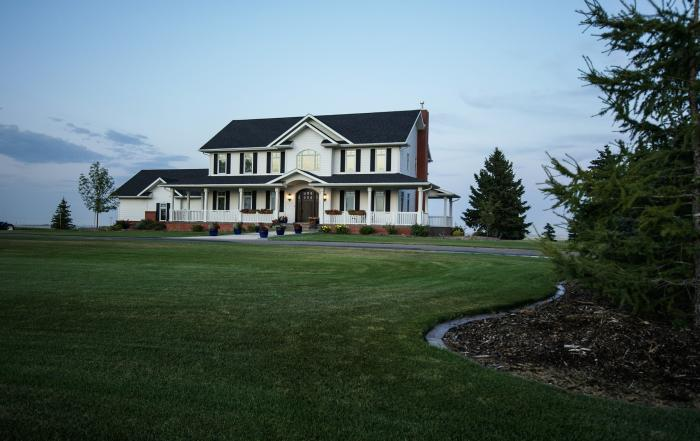 Lethbridge custom home exterior Picture Butte