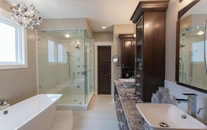 Lethbridge custom home ensuite